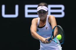 '디펜딩 챔피언'케닌, 호주 오픈 2 라운드에서 카네 피 패배